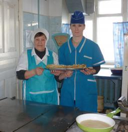 Повара А.Н. Мотовилова и З.И. Иванова.