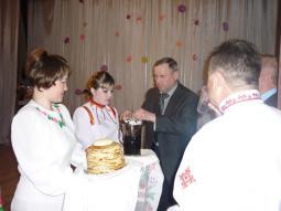 Встреча гостей хлебом-солью.