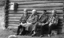 Супруги Попеновы и Мансуровы (2004 год).