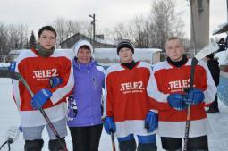 Молодые хоккеисты и кл. рук. М.Л. Зиганшина.