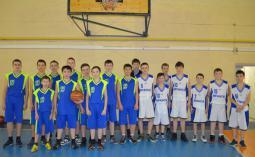 Баскетбольные команды Пижанки и Яранска.