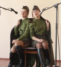 Александра Анкудинова и Анастасия Захарова.