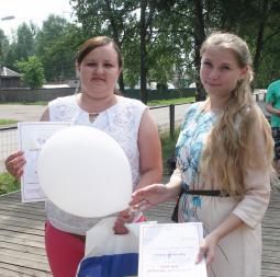 атьяна ЛЕБЕДЕВА (слева).