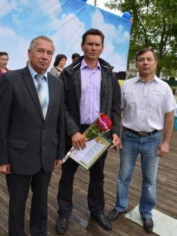 Глава района В.А. Домрачев, А.М. Иванов,                          глава администрации района Г.Г. Набиуллин.