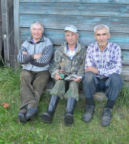 А. Ведерников, А. Изергин, Л. Ведерников.