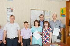 Семья Ивановых, глава района С.М. Евстропов и супруги Куклины