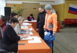 Голосование в районном Доме культуры.